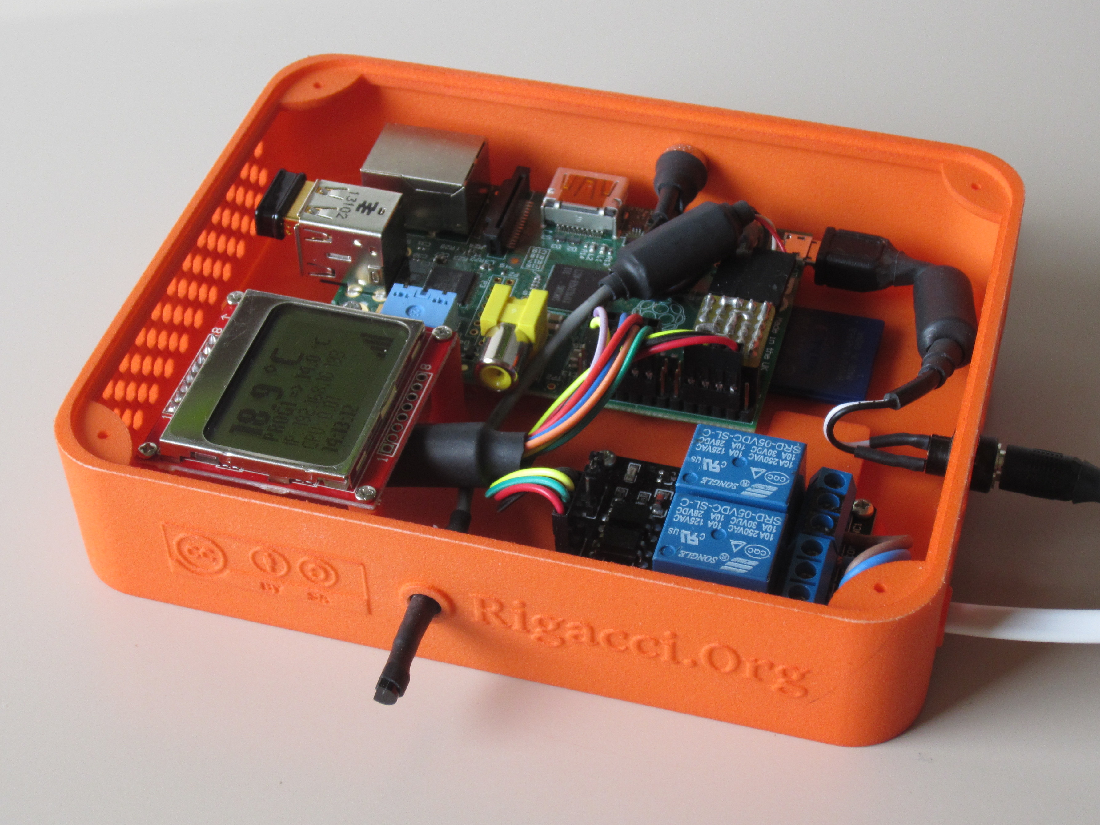 Programmable Thermostat with the Raspberry Pi [rigacci org]